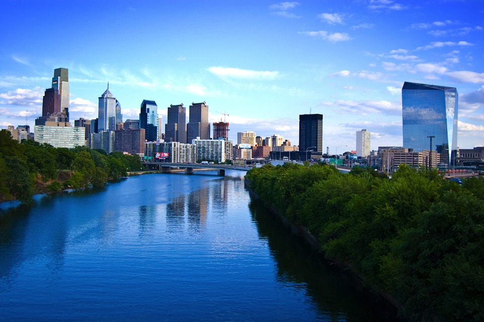 View of the buildings and skyline in Philadelphia, PA